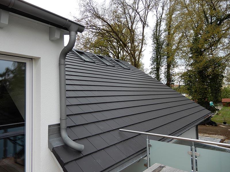1 Dachdecker Ziegel Dachrinne Dachfenster